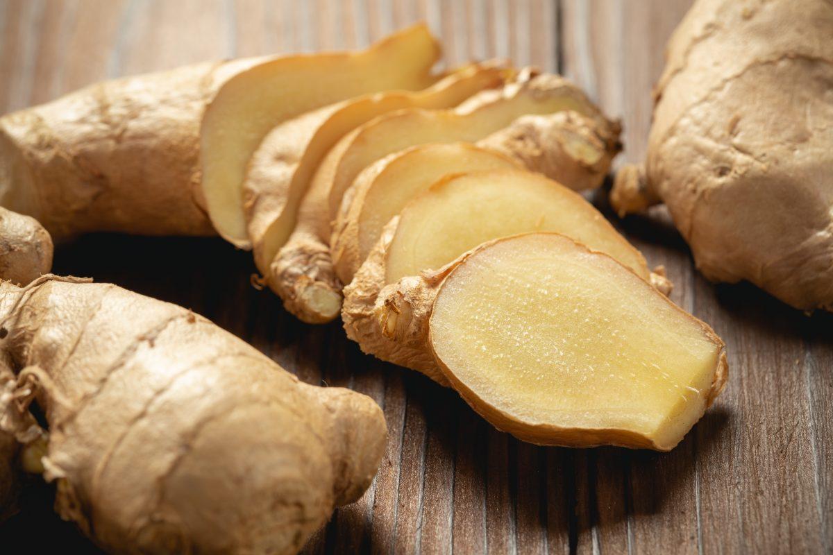 As vitaminas B6 e C do gengibre também auxiliam o sistema imunológico.