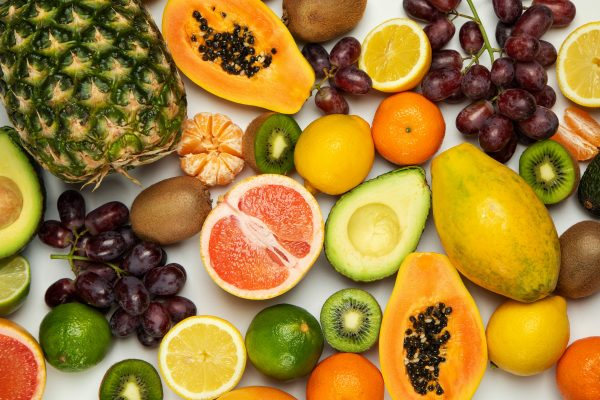 Os benefícios das frutas na alimentação do seu filho