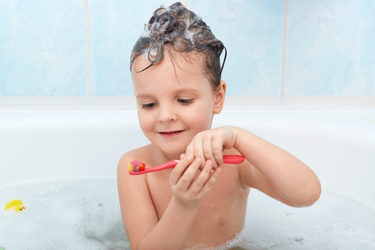 Criar hábitos corretos de saúde bucal são essenciais no início da vida dos nossos pequenos.
