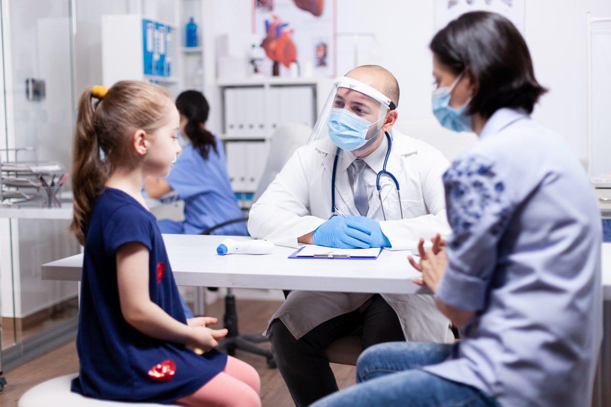 Siga a leitura no Blog PFzinho e saiba quando seu filho deve passar por um ortopedista pediátrico.